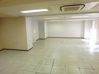 画像3:赤い風船ビル,事務所, 駐車場付事務所,福岡市博多区博多駅前4丁目23番28号